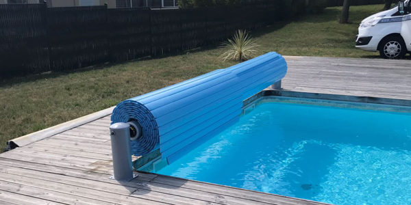 The pool roller shutter, a useful and aesthetic accessory