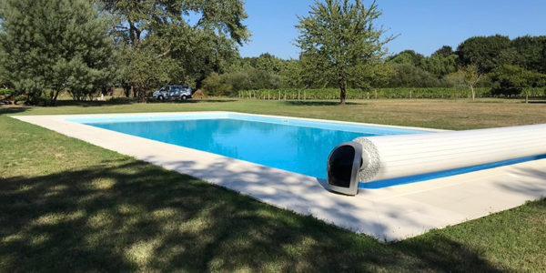 Installation of swimming pool shutters in Chaillevette and Royan