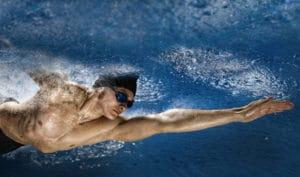 Piscine sportive, le spa de nage est un bon compromis entre détente et sport