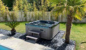 vente et installation spa jacuzzi Moorea actuellement en promotion à Royan, vaux-sur-mer, La Palmyre