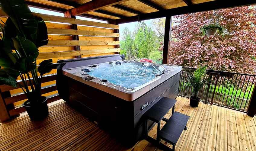 Acheter le Spa Jacuzzi Polynésie 5 places en promotion chez Piscines No Stress